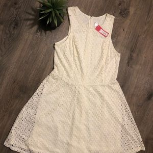 NWT Cream White Lace Overlay Cocktail Dress